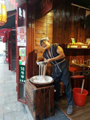 上海の床屋さんで「坊主にしてください」とオーダーしました! 参考画像