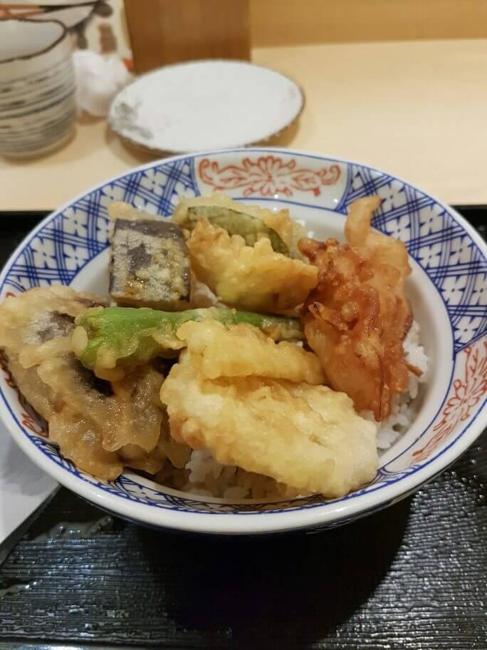 中国人に日本のカレーを食べてもらいました! 参考画像