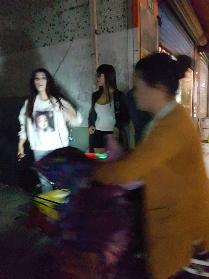 上海入国時の飛行機の中で 参考画像