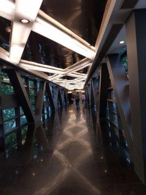 上海新世界にあるモールの連絡通路