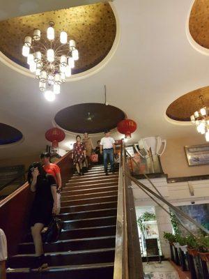 蘇州、丽花宫舞厅に続く階段