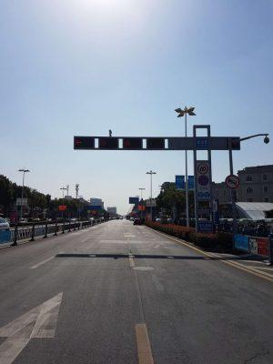 蘇州木渎駅最初の交差点